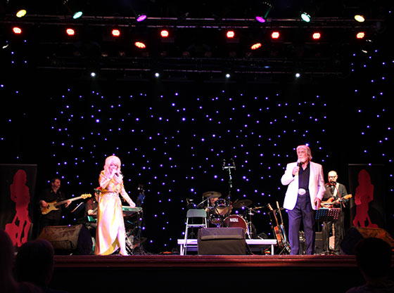 Dolly Parton with Kenny Rogers tribute, Peter White